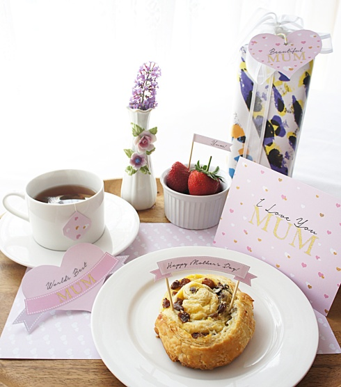 Mother's-Day-Breakfast-in-Bed-by-Claudia-Owen-1