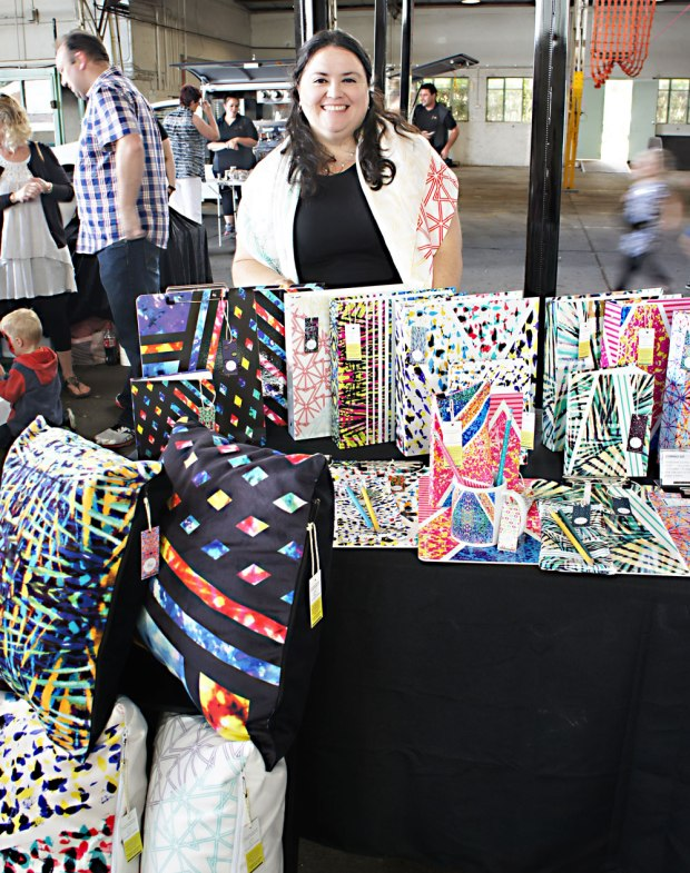 Claudia-Owen-at-Canberra-CommUnity-Twilight-Markets-Canberra-7